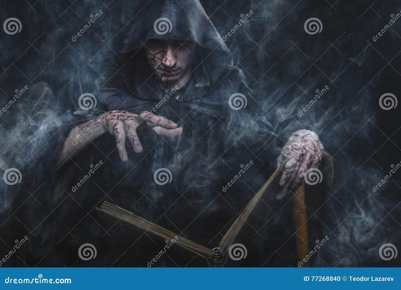 Mörk warlock som gjuter ett pass