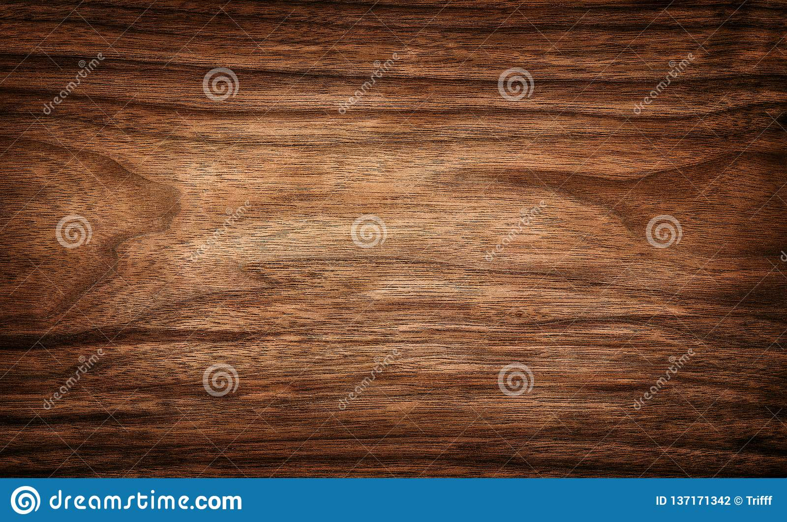 Mörk wood texturbakgrundsyttersida med den naturliga modellen