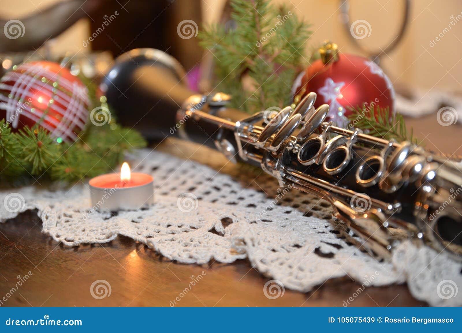 Feliz Navidad Clarinete.Musica De La Navidad Con El Clarinete Imagen De Archivo