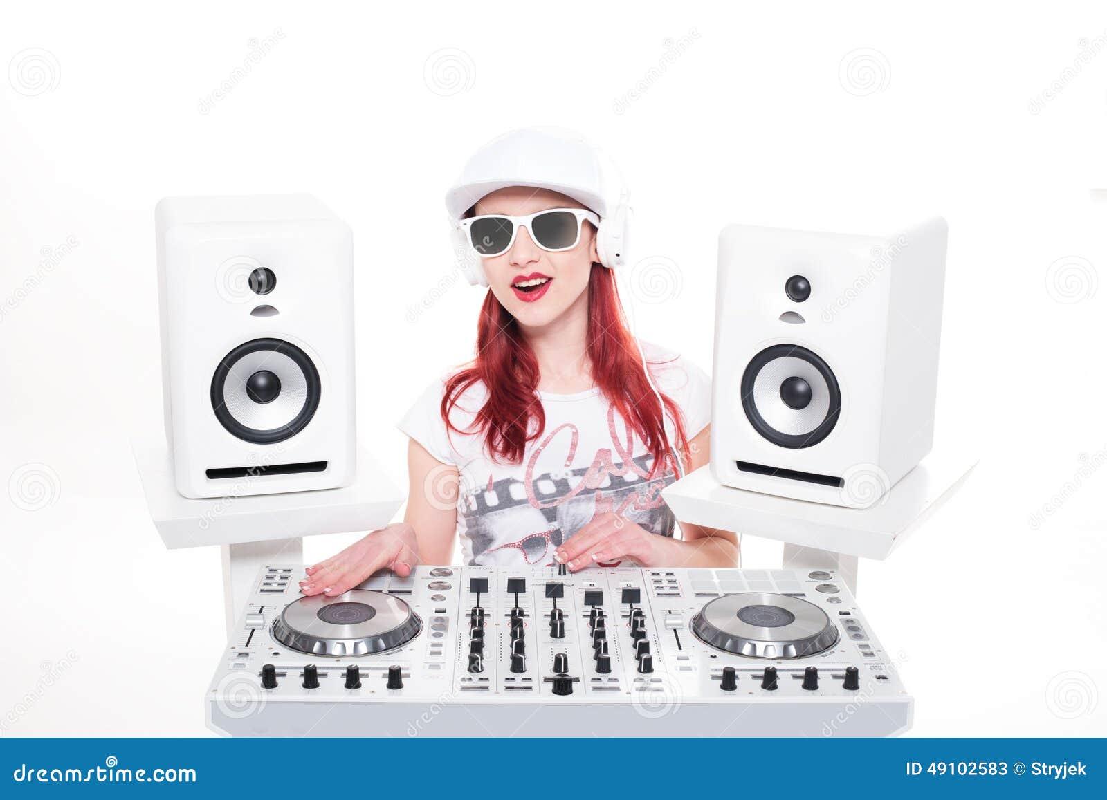 Música de mezcla de DJ de la hembra de moda