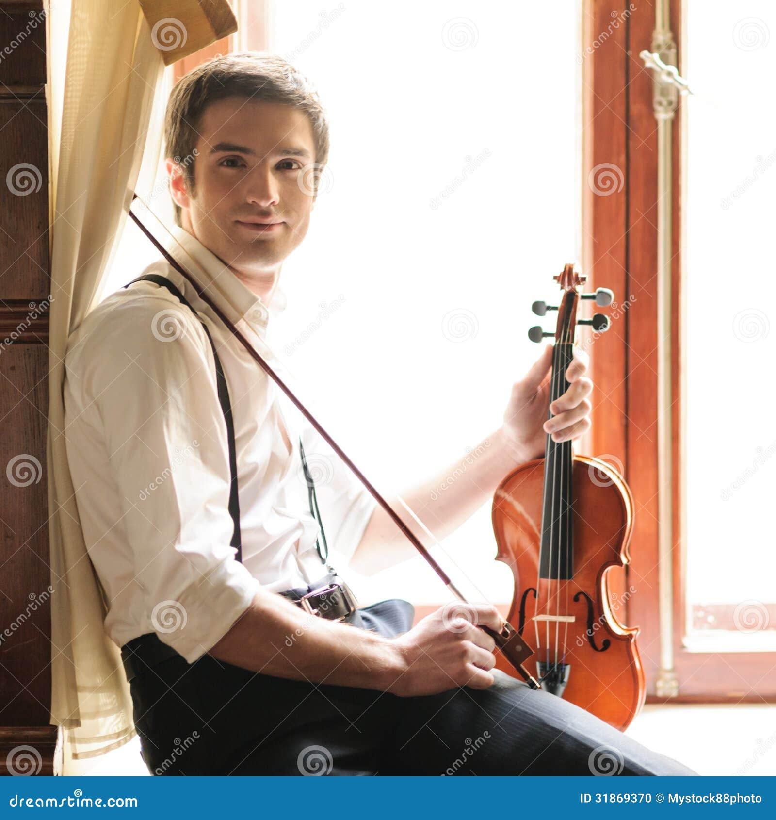 Músico y el violín