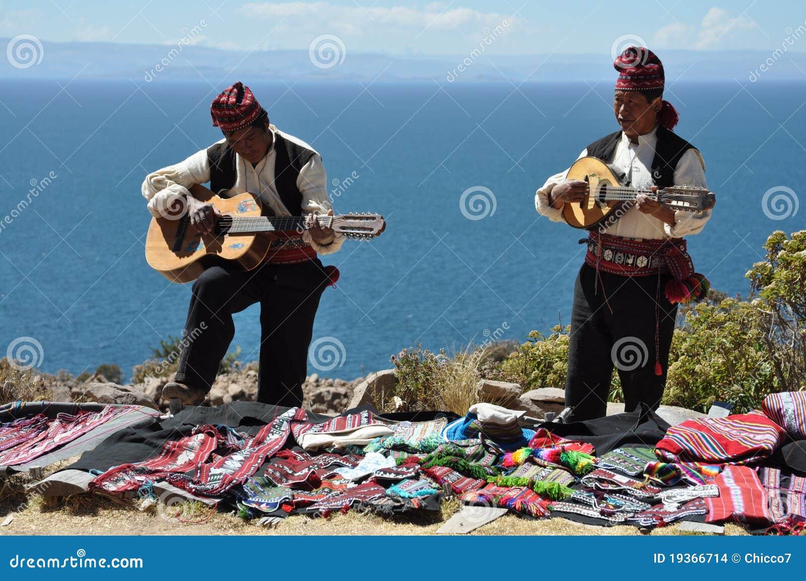 Músicos tradicionais de Peru
