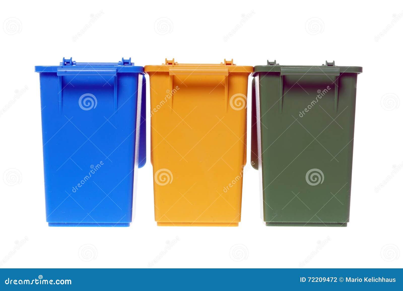 Mulleimer Stockfoto Bild Von Plastik Mulleimer Befreit 72209472