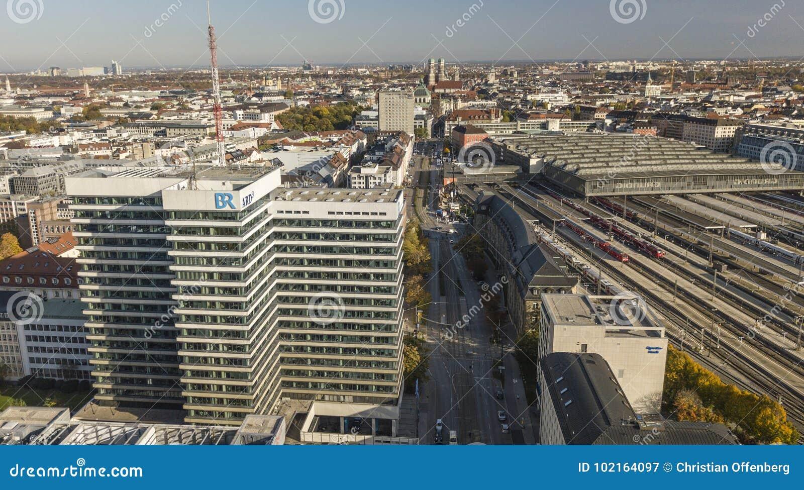 München, Duitsland 17/10/2017: Hoofdkwartier van de openbare omroep ARD/Bayerische Rundfunk in München