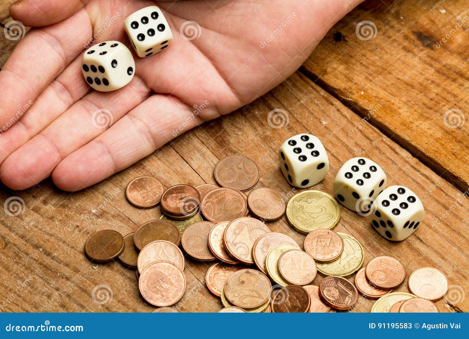 Münzen und würfelt