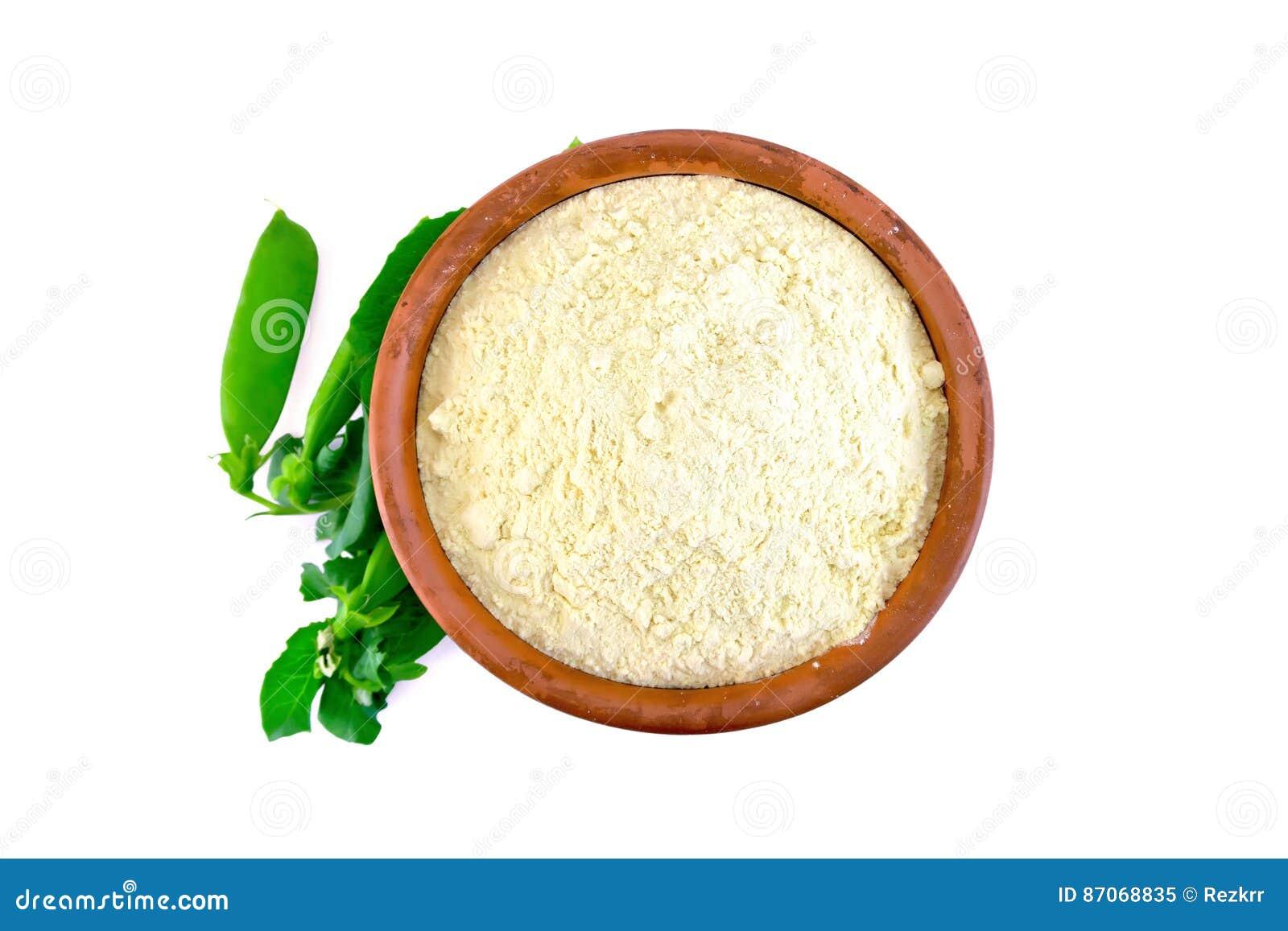 Mąka groch w pucharze na wierzchołku lub chickpea