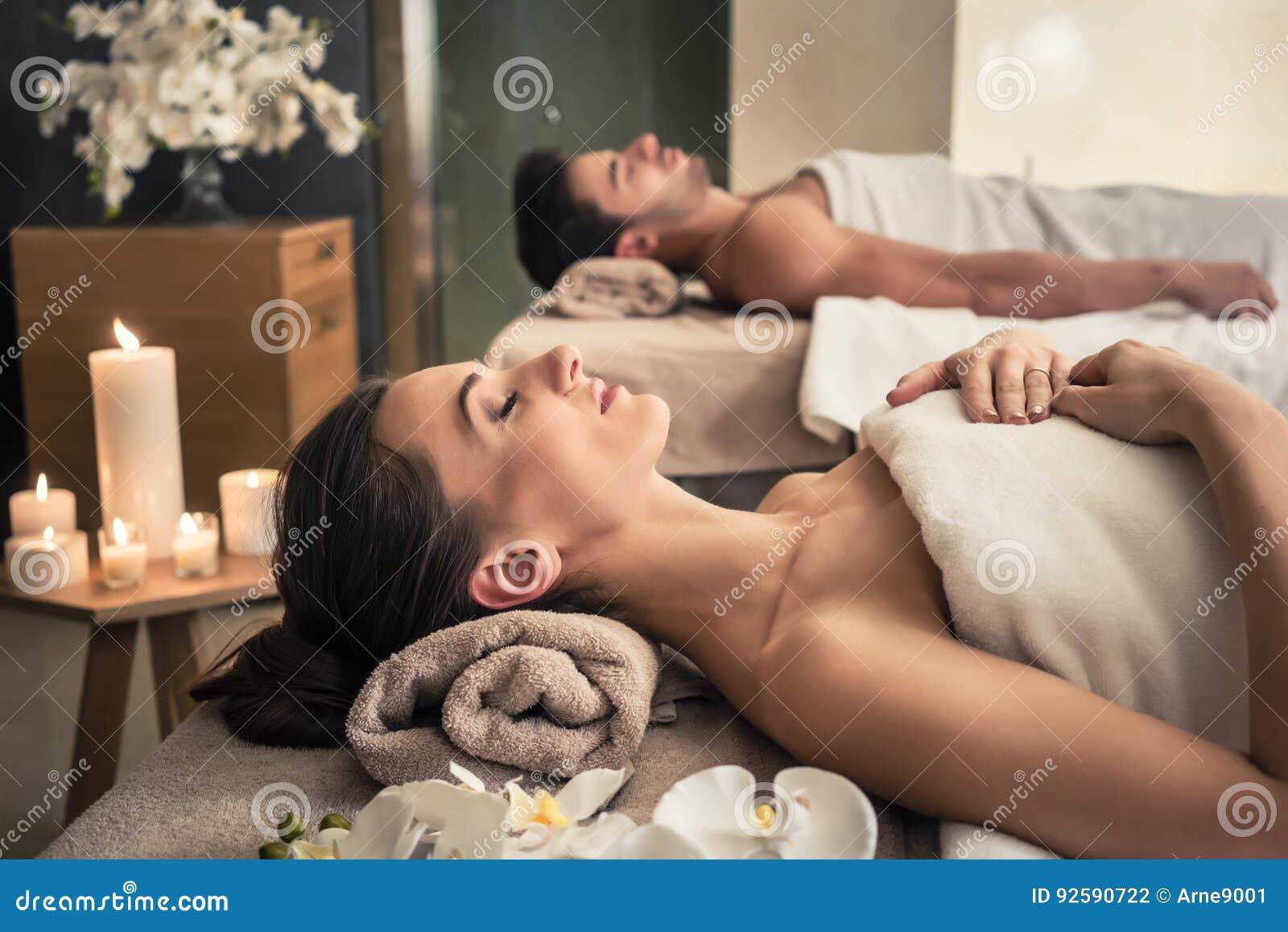 seks w azjatyckim salonie masażu gorące czarne nastolatki cycki