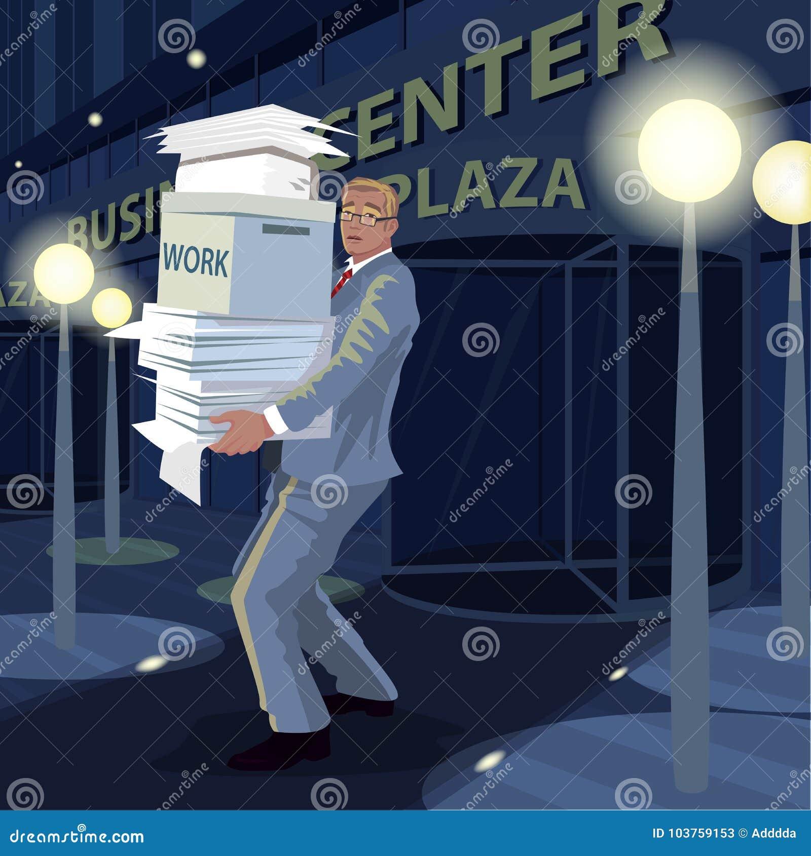 Mężczyzna niesie dokumenty od biura stwarzać ognisko domowe przy nocą