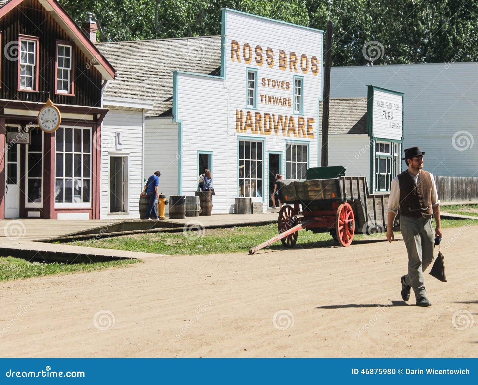 Mężczyzna odprowadzenie na ulicie fort Edmonton