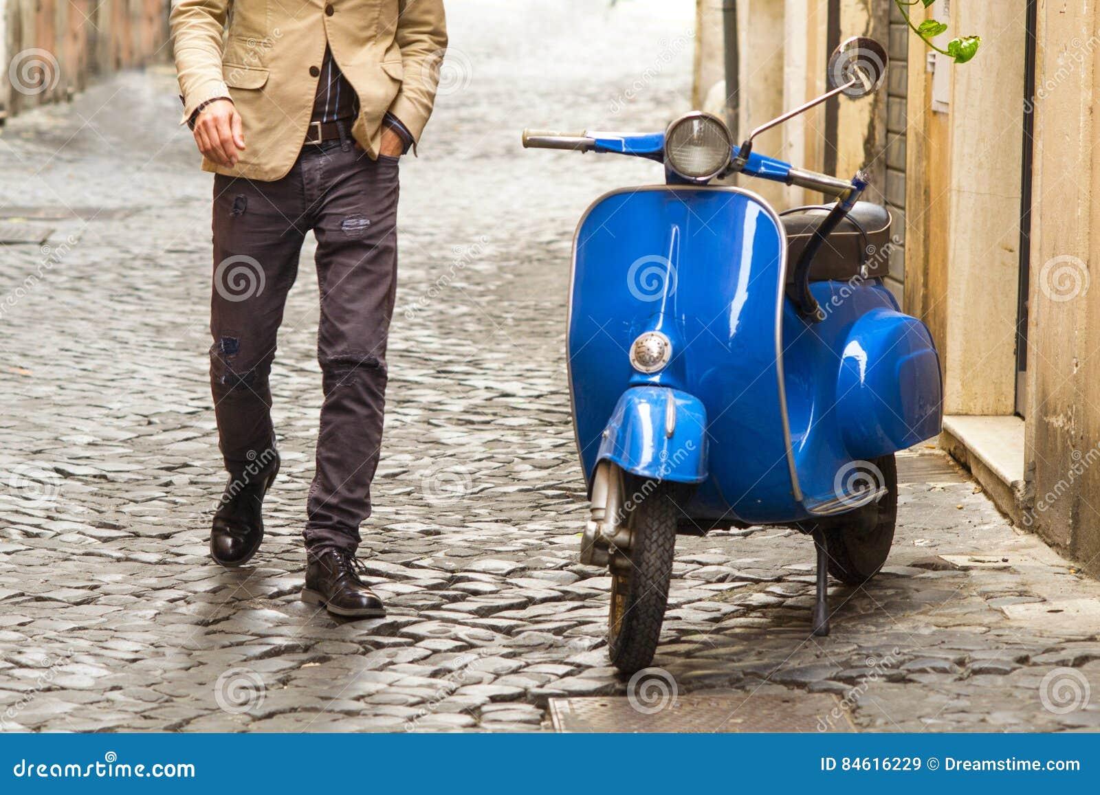 Mężczyzna odprowadzenie w Rzym