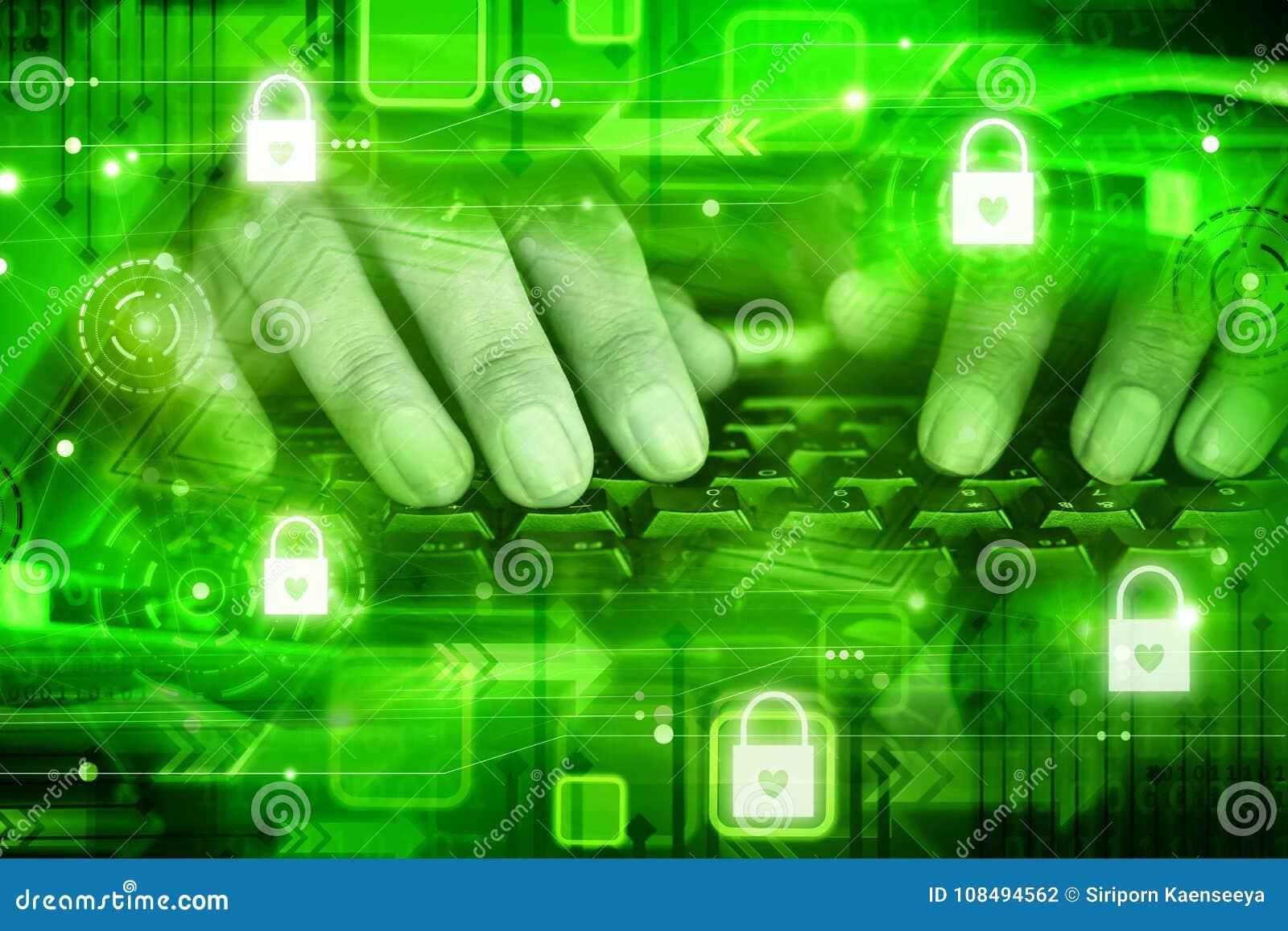 Mężczyzna ręka na komputerowej klawiaturze z ochrona kędziorka ikoną, nowożytnej technologii sądowy obliczać