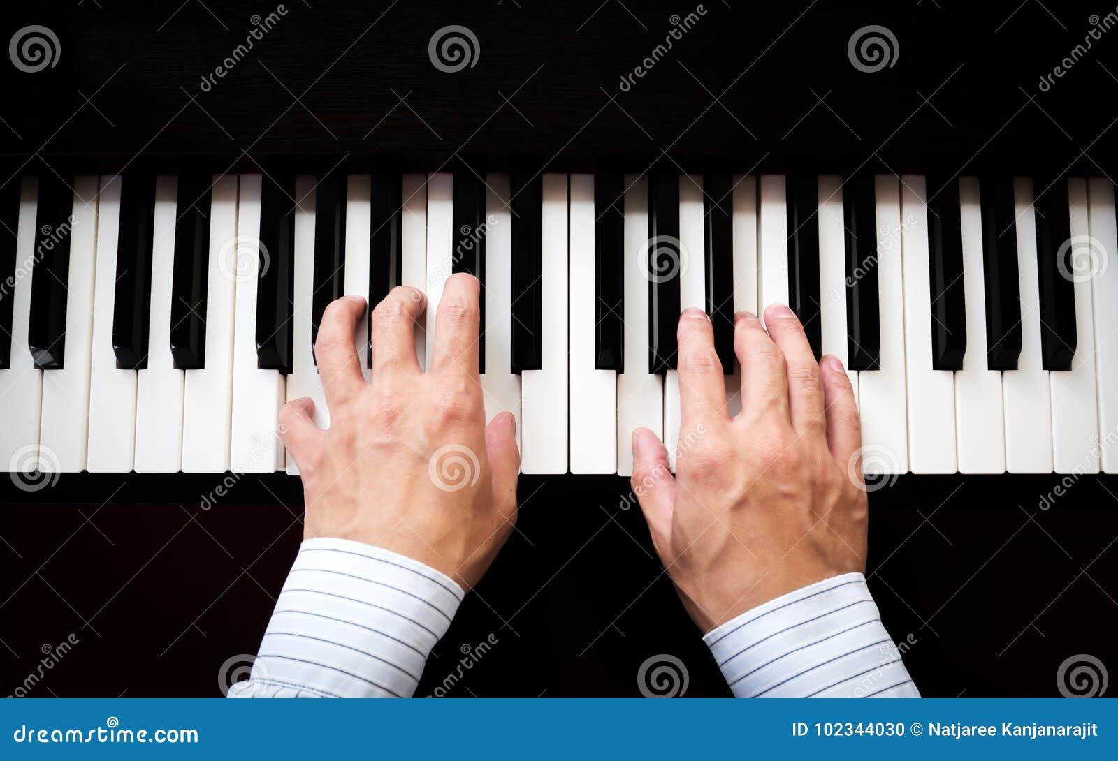 Mężczyzna ręki bawić się pianino muzyka klasyczna Sztuki i abstrakta tło