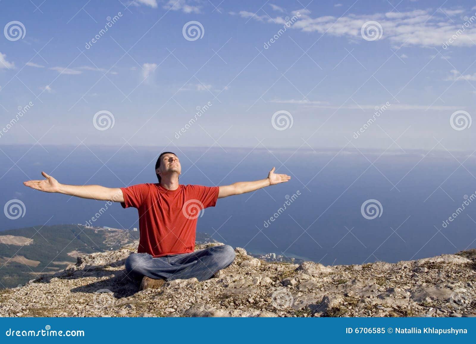 Mężczyzna szczęśliwa góra