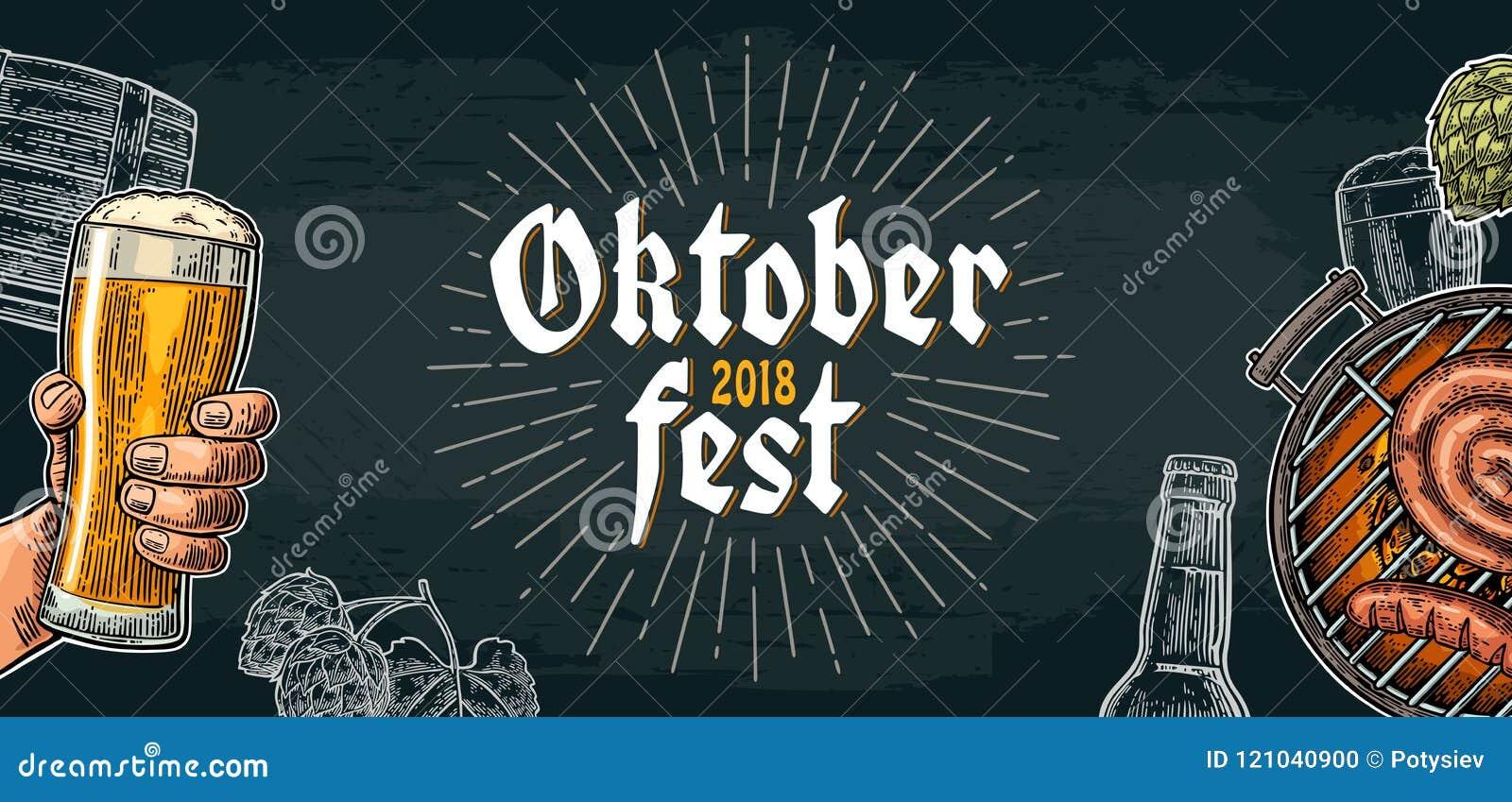 Męska ręka trzyma piwnego szkło i grill piec na grillu festiwal oktoberfest