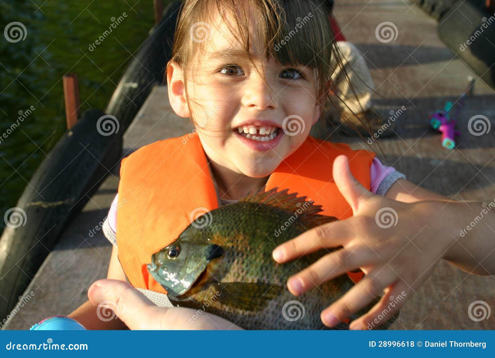 Młoda dziewczyna excited o jej pierwszy samogłowie