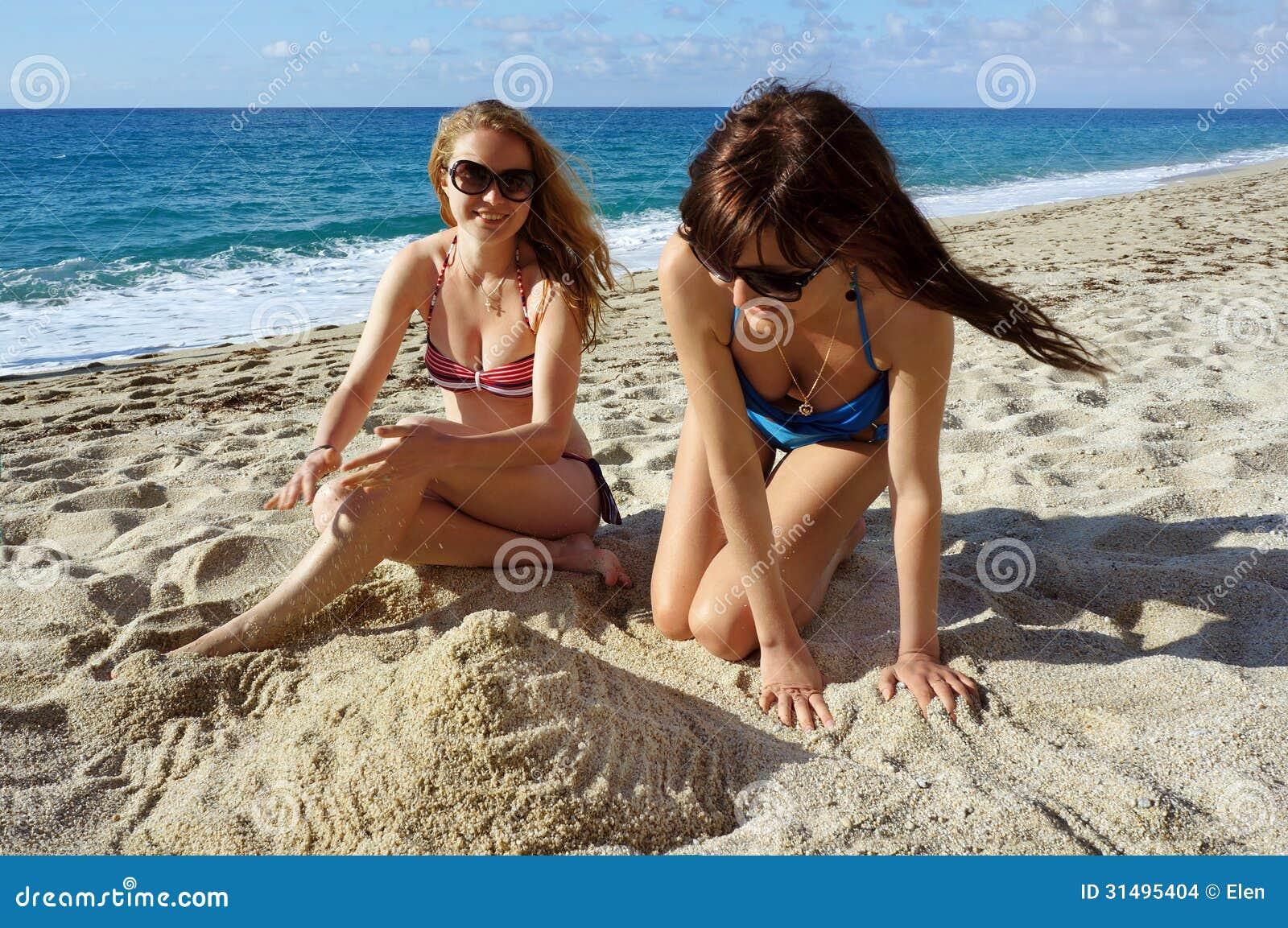młode na plaży