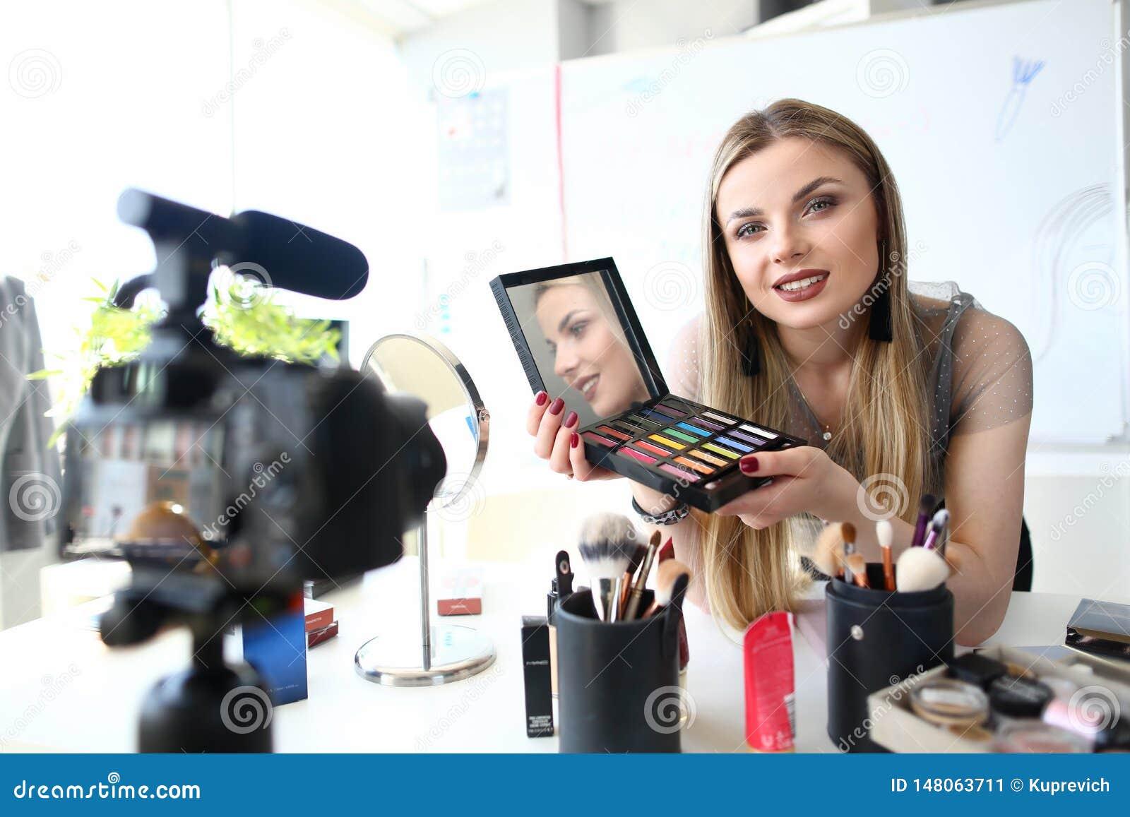 Młodego Blogger piękna Magnetofonowy Wideo Tutorial
