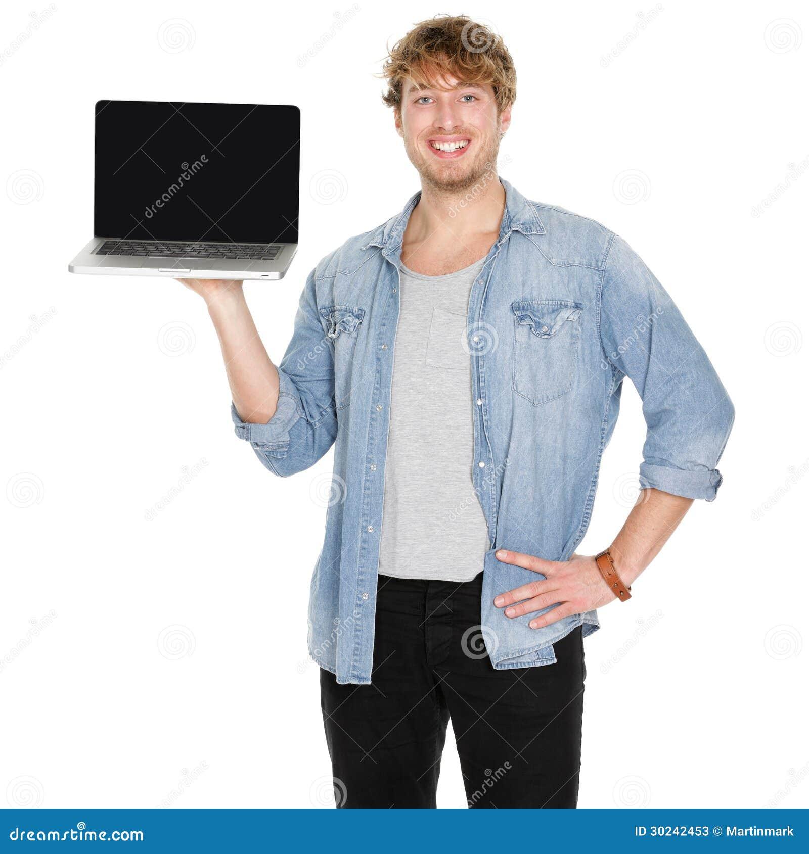 Młodego człowieka laptopu studencki pokazuje pusty ekran