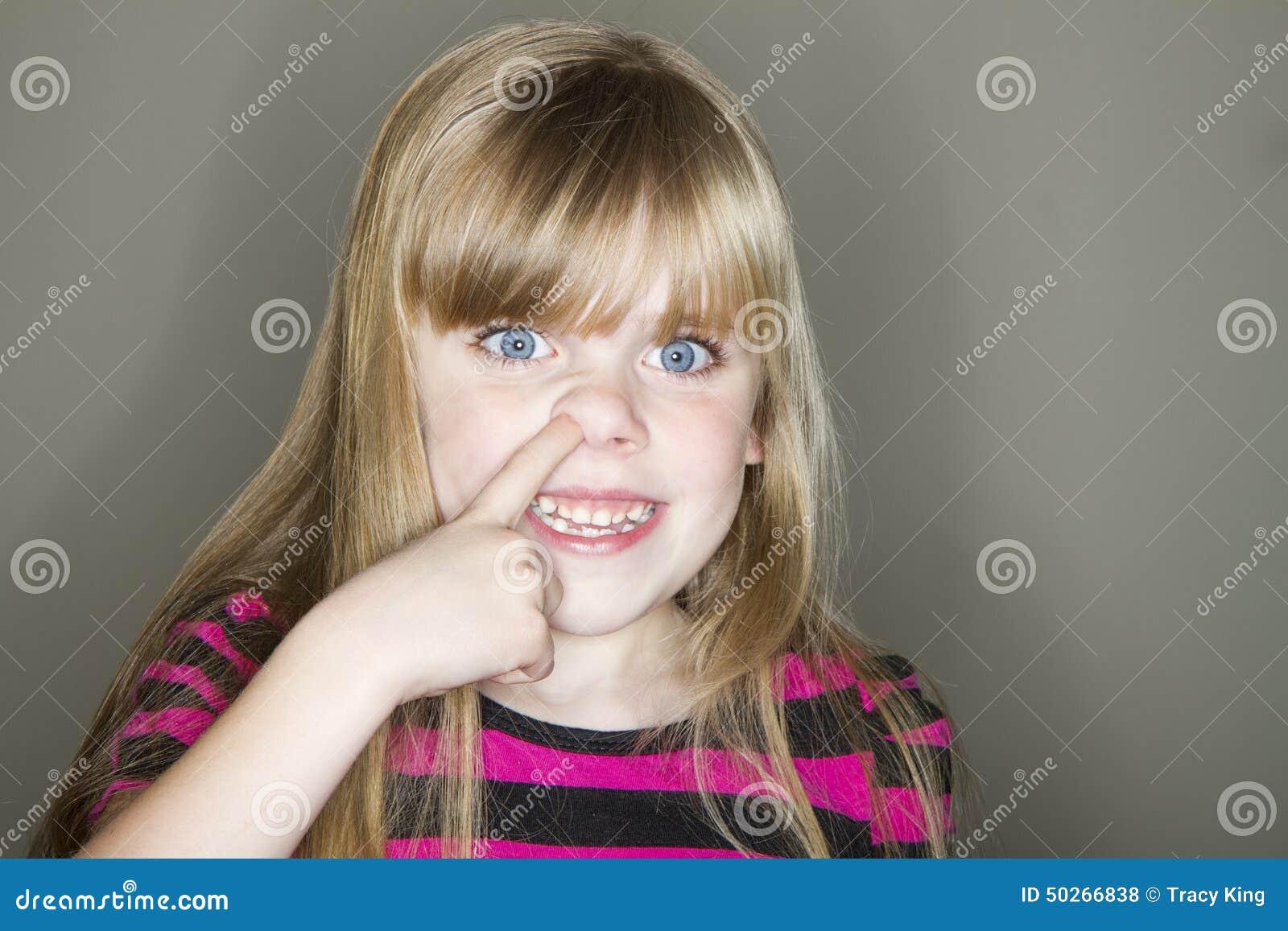 Młodego dziecka głębienie dla gluta
