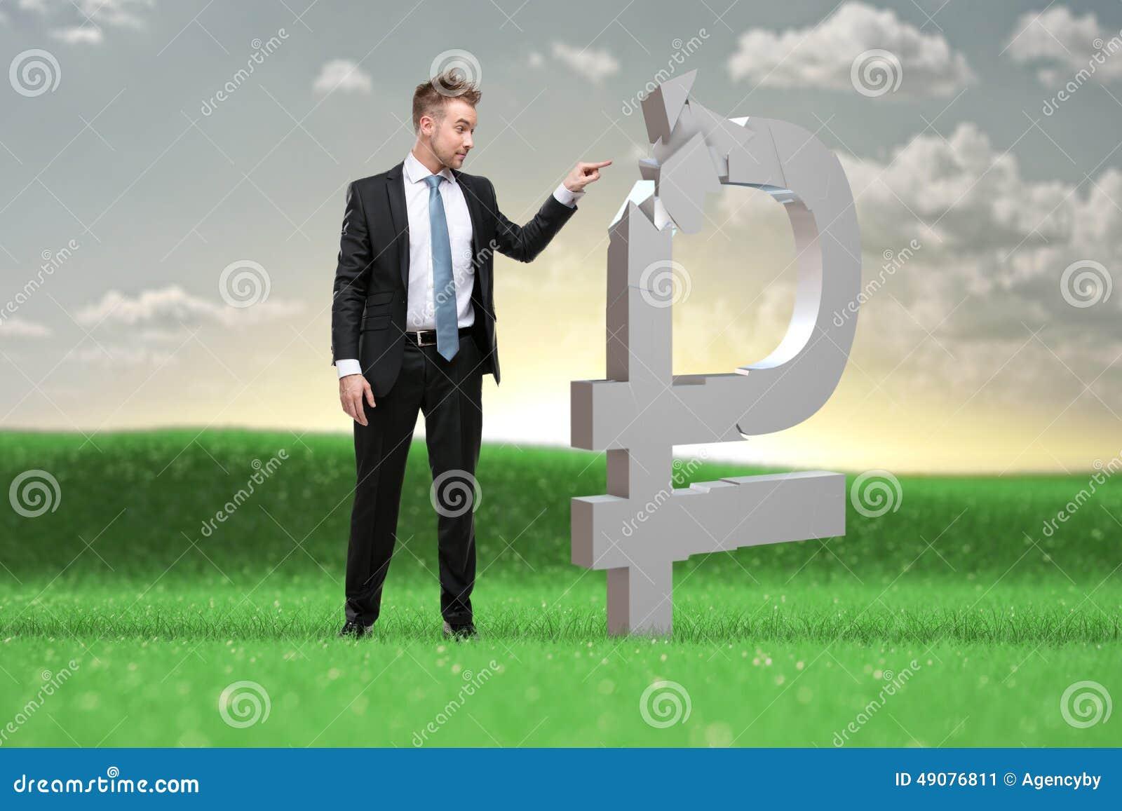 Młody biznesmen decyduje co robić z rubel wartościami