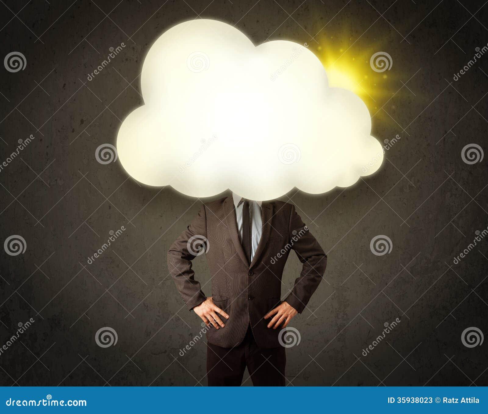 Młody biznesowy mężczyzna w koszula i krawat z pogodną chmurą przewodzimy