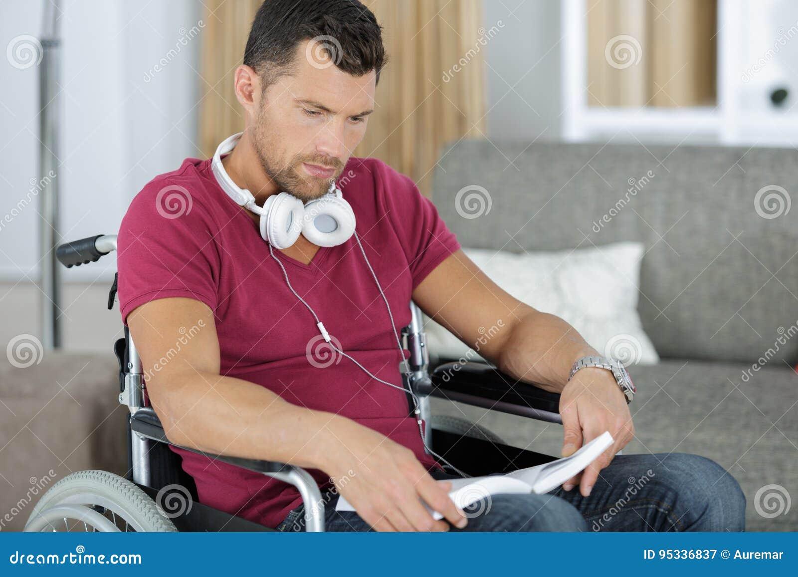 spotyka się z mężczyzną na wózku inwalidzkim randki 1d 2