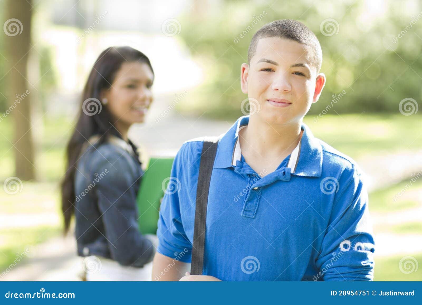 Młody męski uczeń