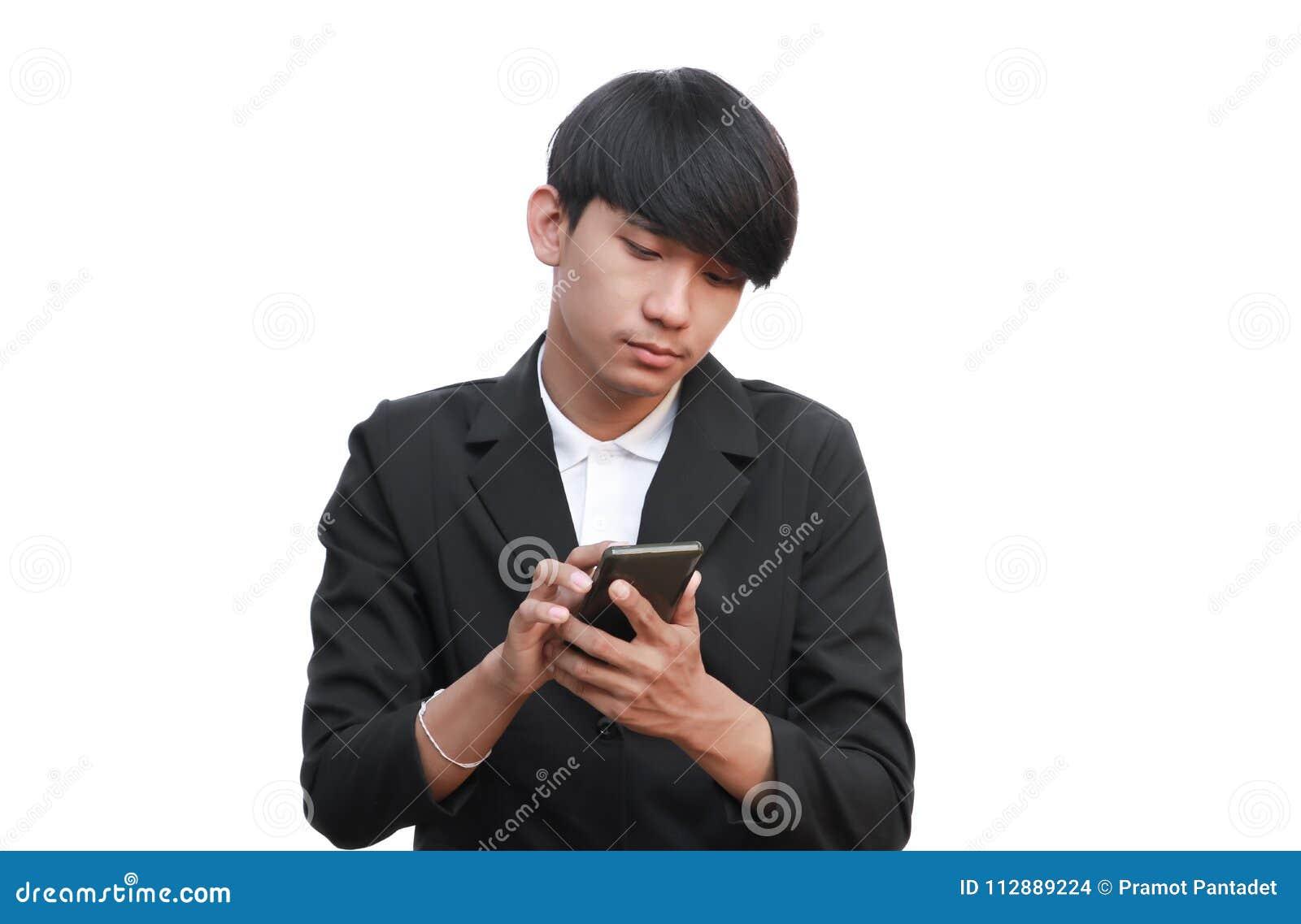 Młody przystojny biznesmena chwyt rozmowa telefonicza na białym tle