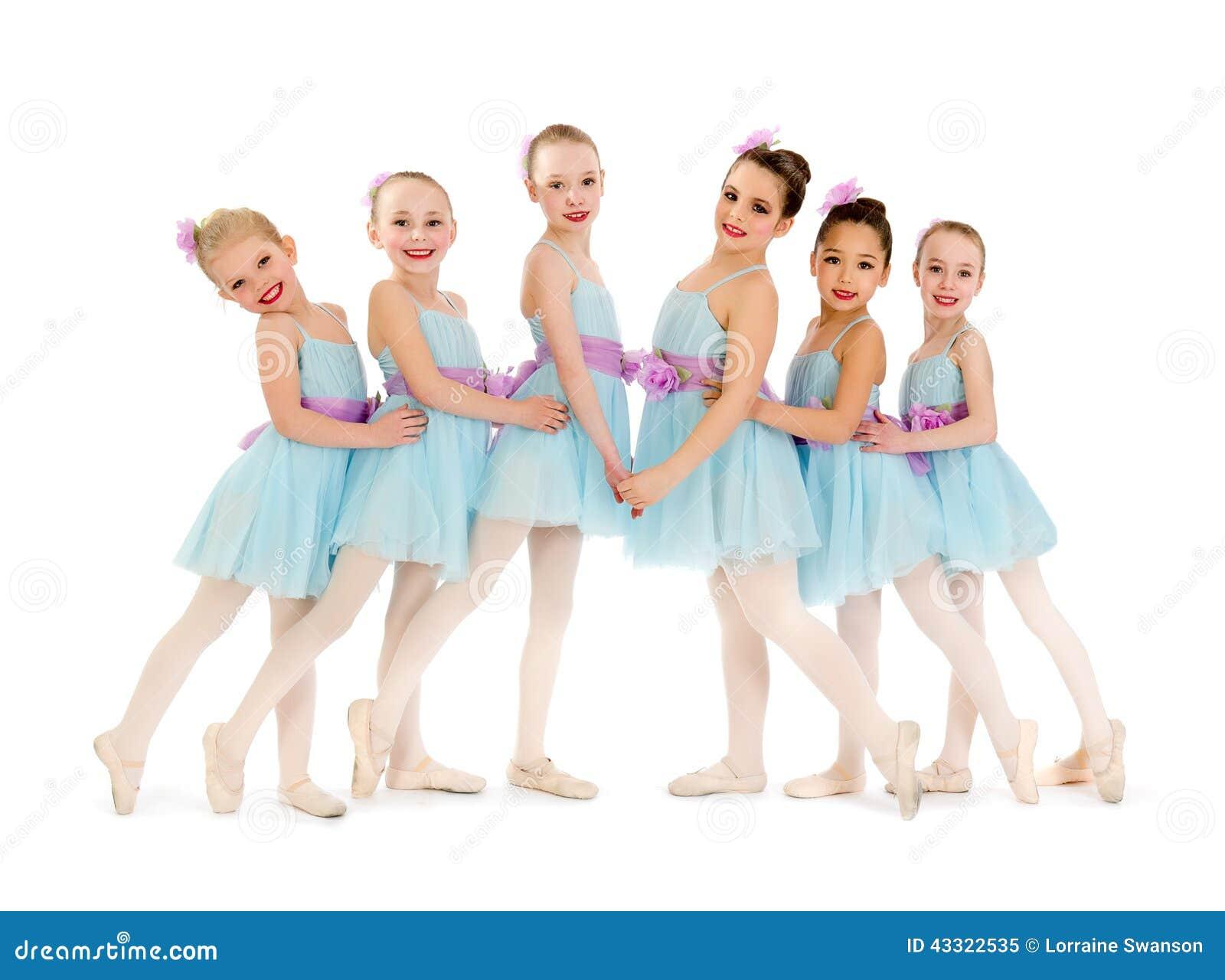 Młodzieżowa Mała balet klasa dziewczyny