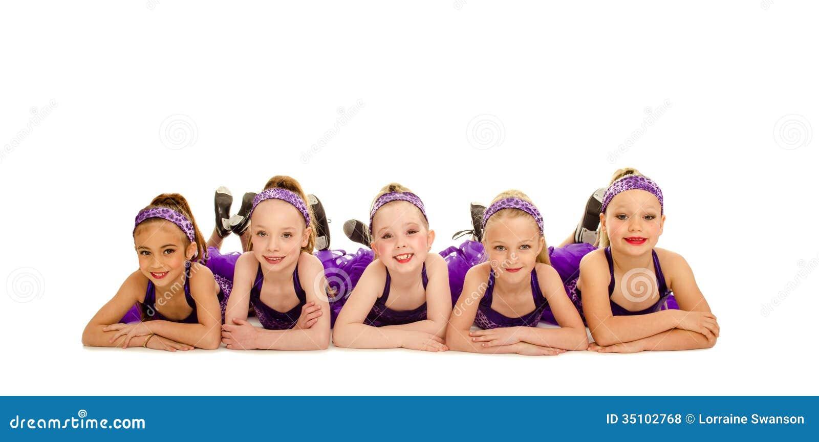 Młodzieżowa Mała Kranowego tana dzieciaków grupa