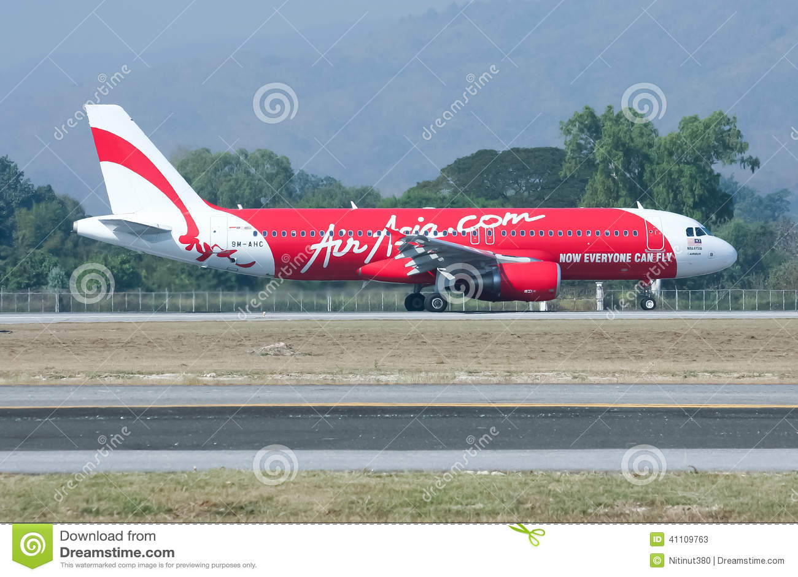 9M-AHC Airbus A320-200 of Airasia