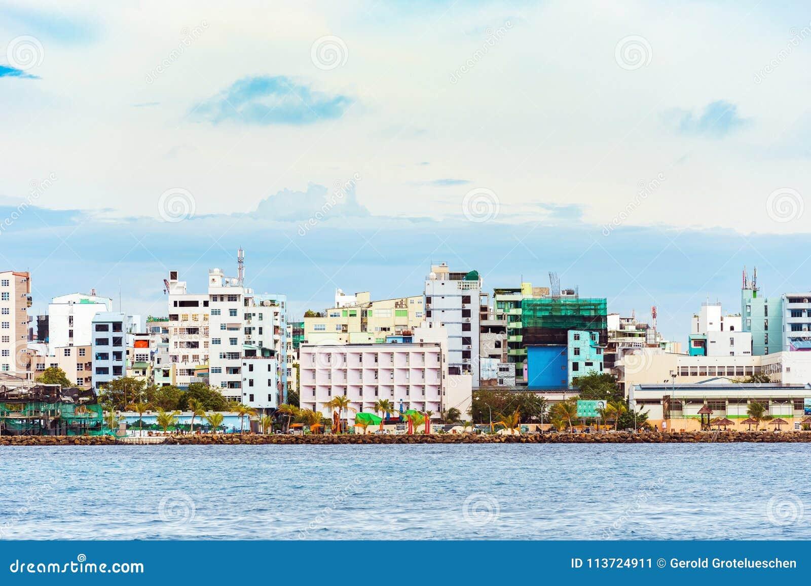 MÂLE, MALDIVES - NOVEMBRE, 27, 2016 : Vue de la ville du mâle