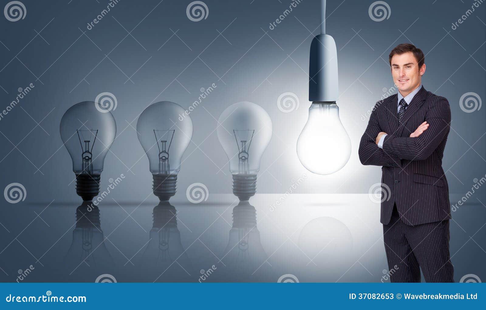Download Młoda Biznesmen Pozycja Crossarmed Obraz Stock - Obraz złożonej z jeden, nitkowy: 37082653