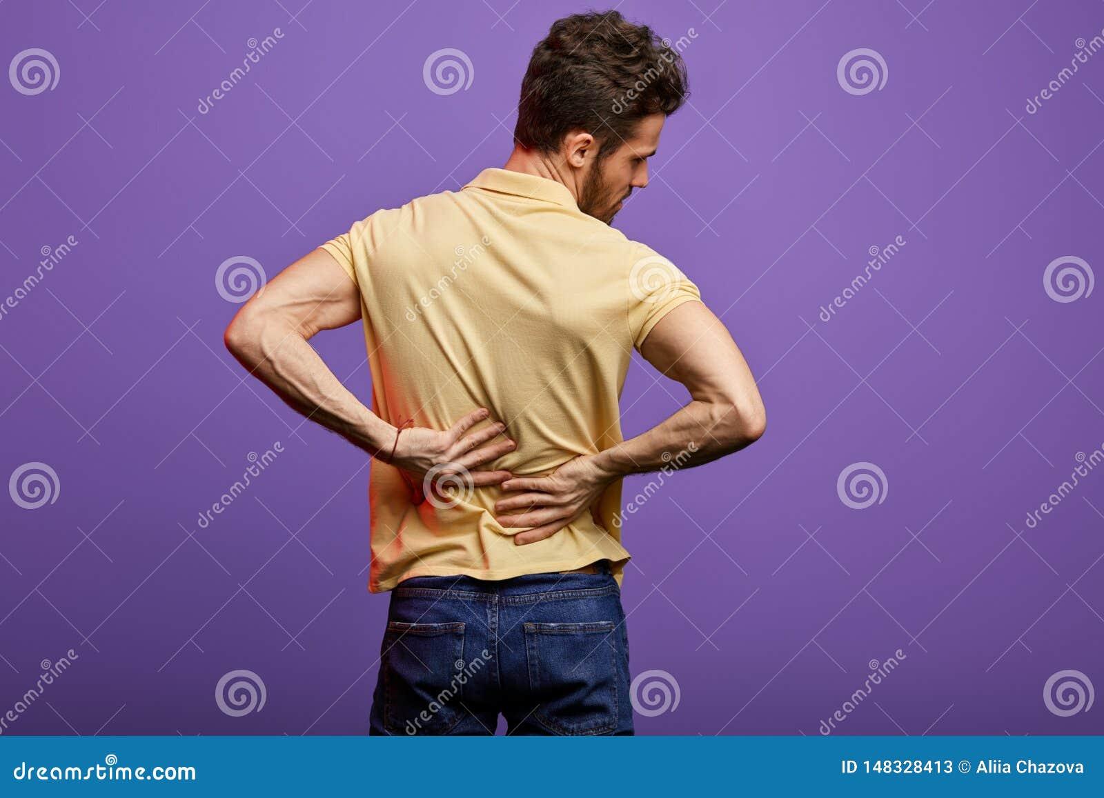 M?odego cz?owieka cierpienie od backache