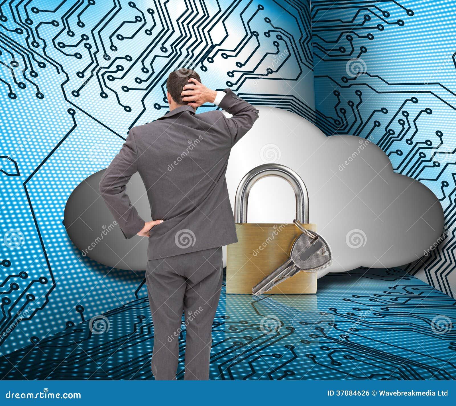 Download Młody Biznesmen Trwanie Kamera Drapa Jego Kierowniczego Z Powrotem Zdjęcie Stock - Obraz złożonej z pierścionek, obwód: 37084626