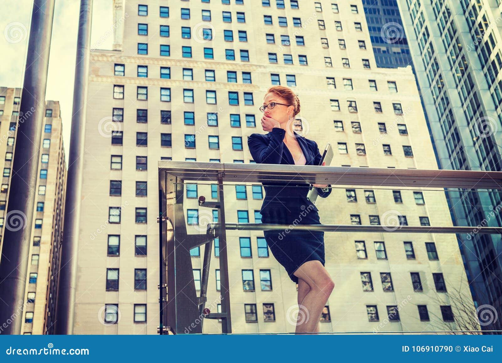 Młody bizneswoman w Nowy Jork