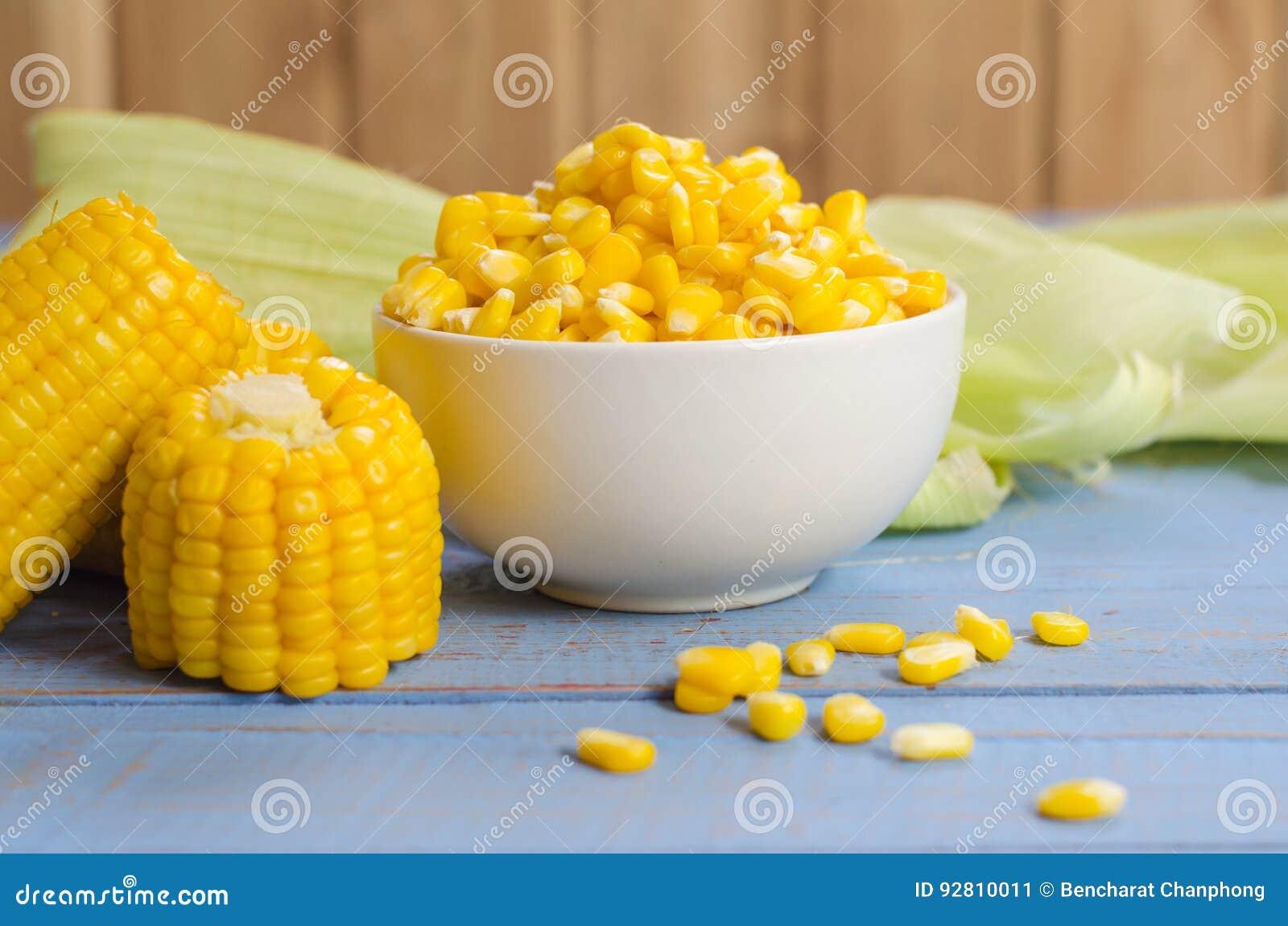 Maïs sur la table