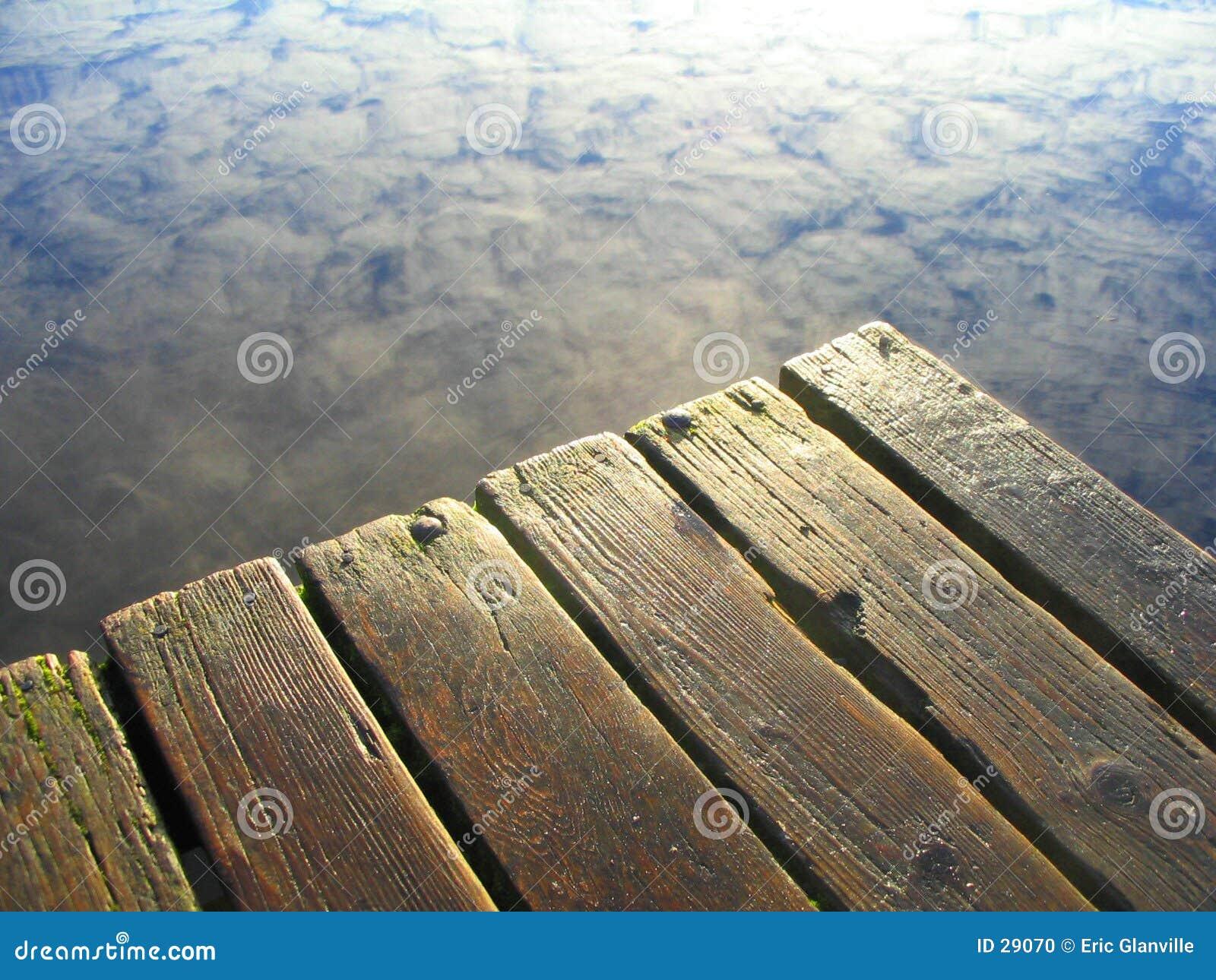 Download Mañana Del 3area De Embarque Foto de archivo - Imagen de reflexión, outdoors: 29070