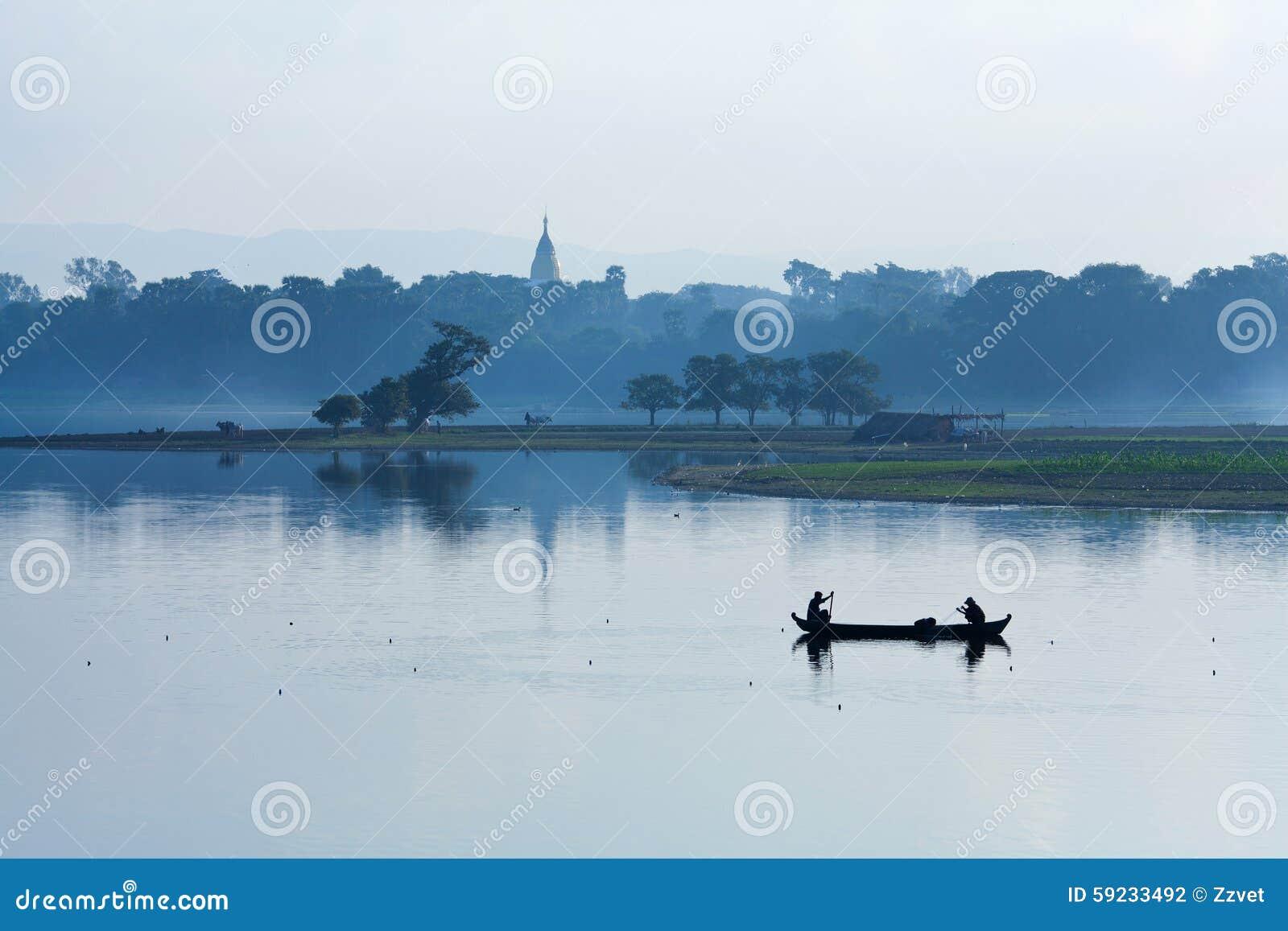 Download Mañana En Amarapura, Myanmar Foto de archivo - Imagen de pescadores, vela: 59233492