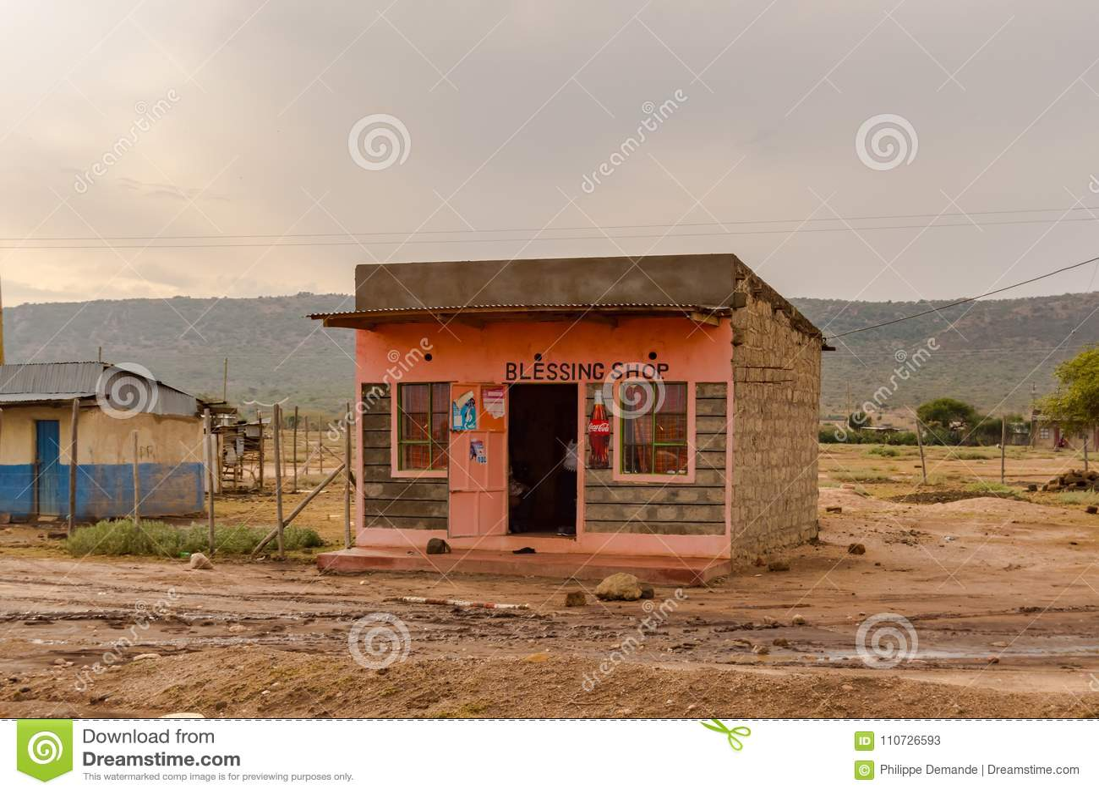 Mały bloku kram w menchiach betonuje w Kenja ` s rift valley