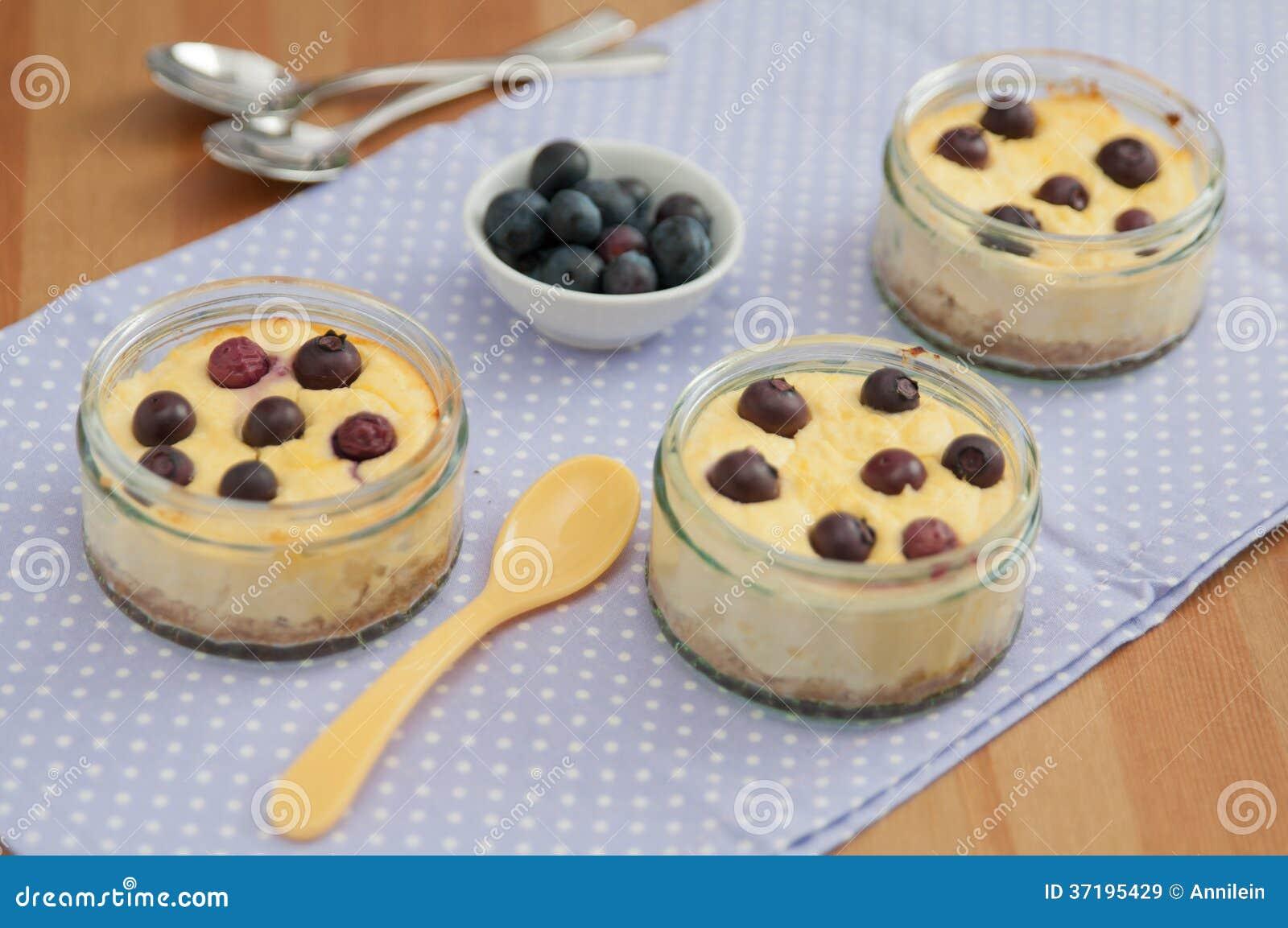 Mały czarnej jagody Cheesecake