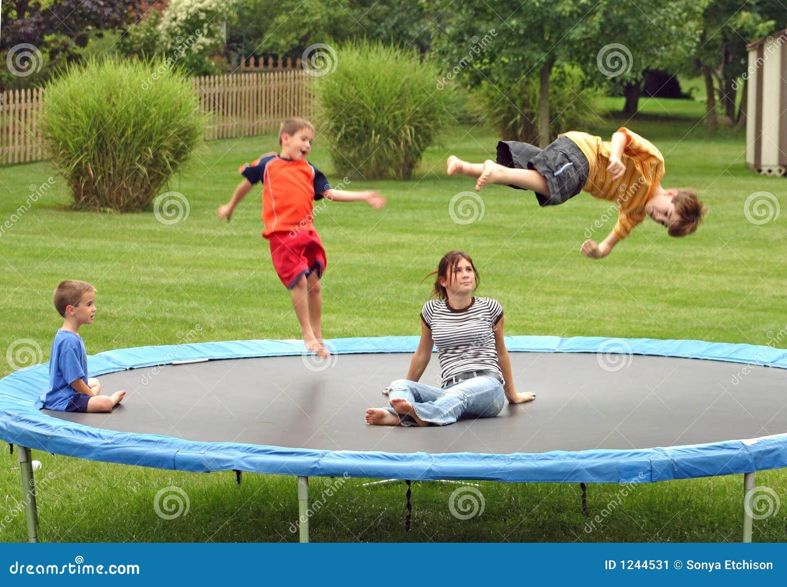 Mały trampolinę