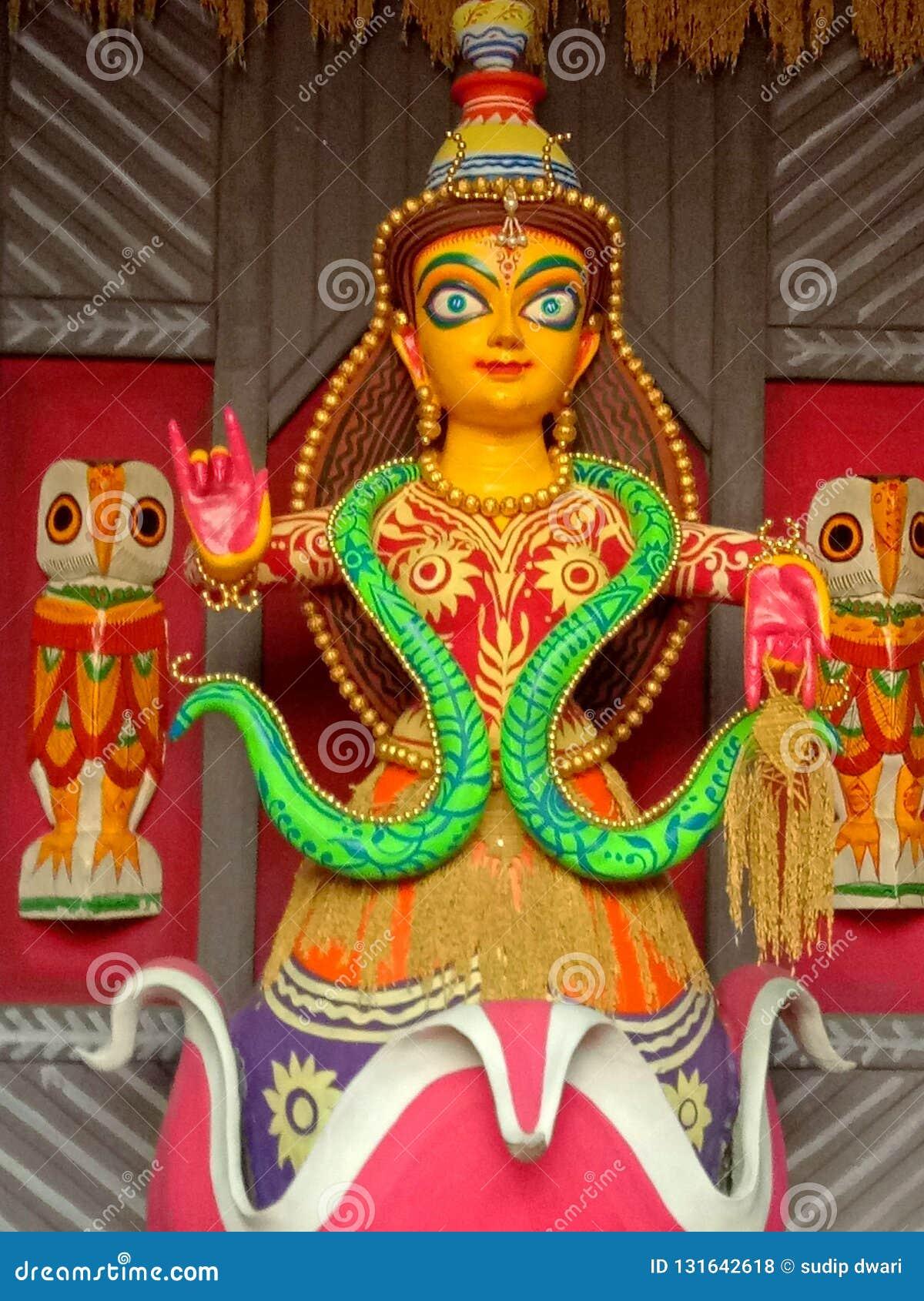 MA Laxmi Idol