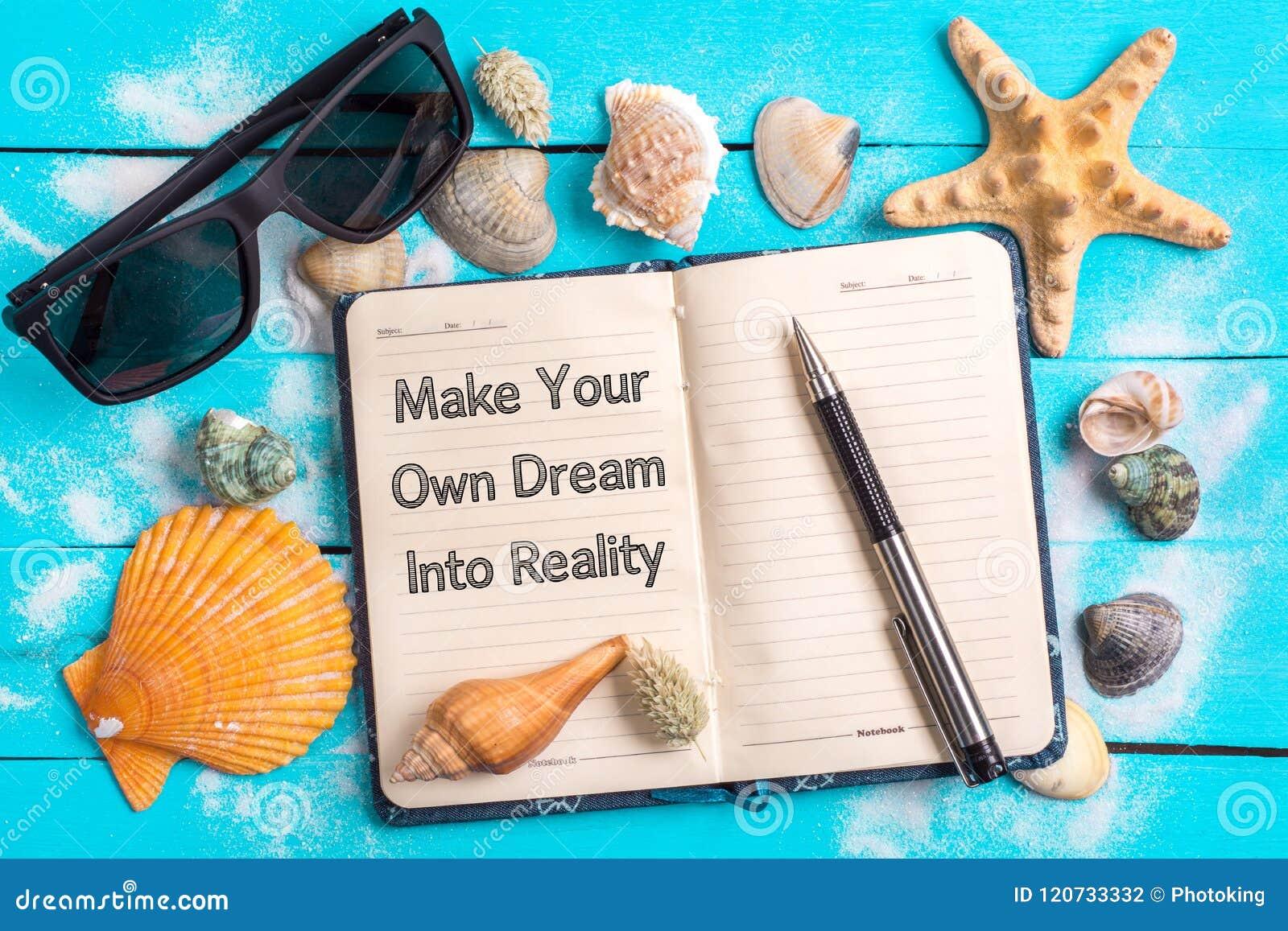 Maak uw eigen droom in werkelijkheidstekst in notitieboekje met Weinig Marine Items