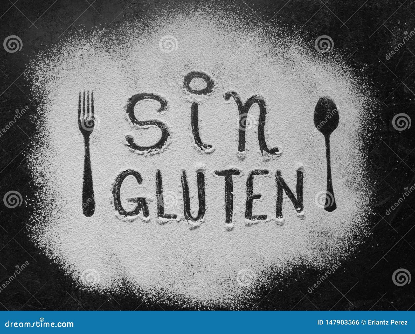 Maakte de gluten vrije bloem met tekstgluten vrij in Spaanse taal met lepel en vorksilhouet met bloem op donkere textuur