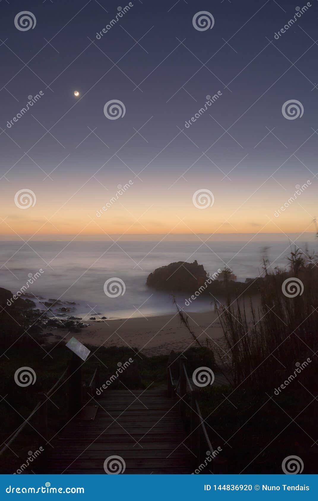 Maanlicht over de oceaan