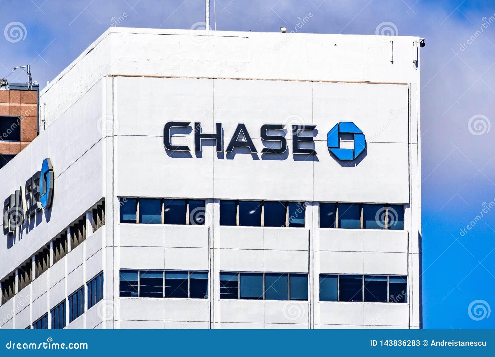 19 maart, 2019 San Diego/CA/de V.S. - achtervolg bankbureaus in San Diego van de binnenstad