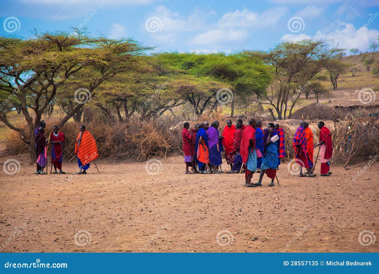 Maasai Leute und ihr Dorf in Tanzania, Afrika