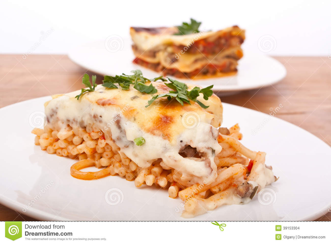 Mac and Cheese Bolognese Lasagna Bake with Beef and Tomato with Beef ...