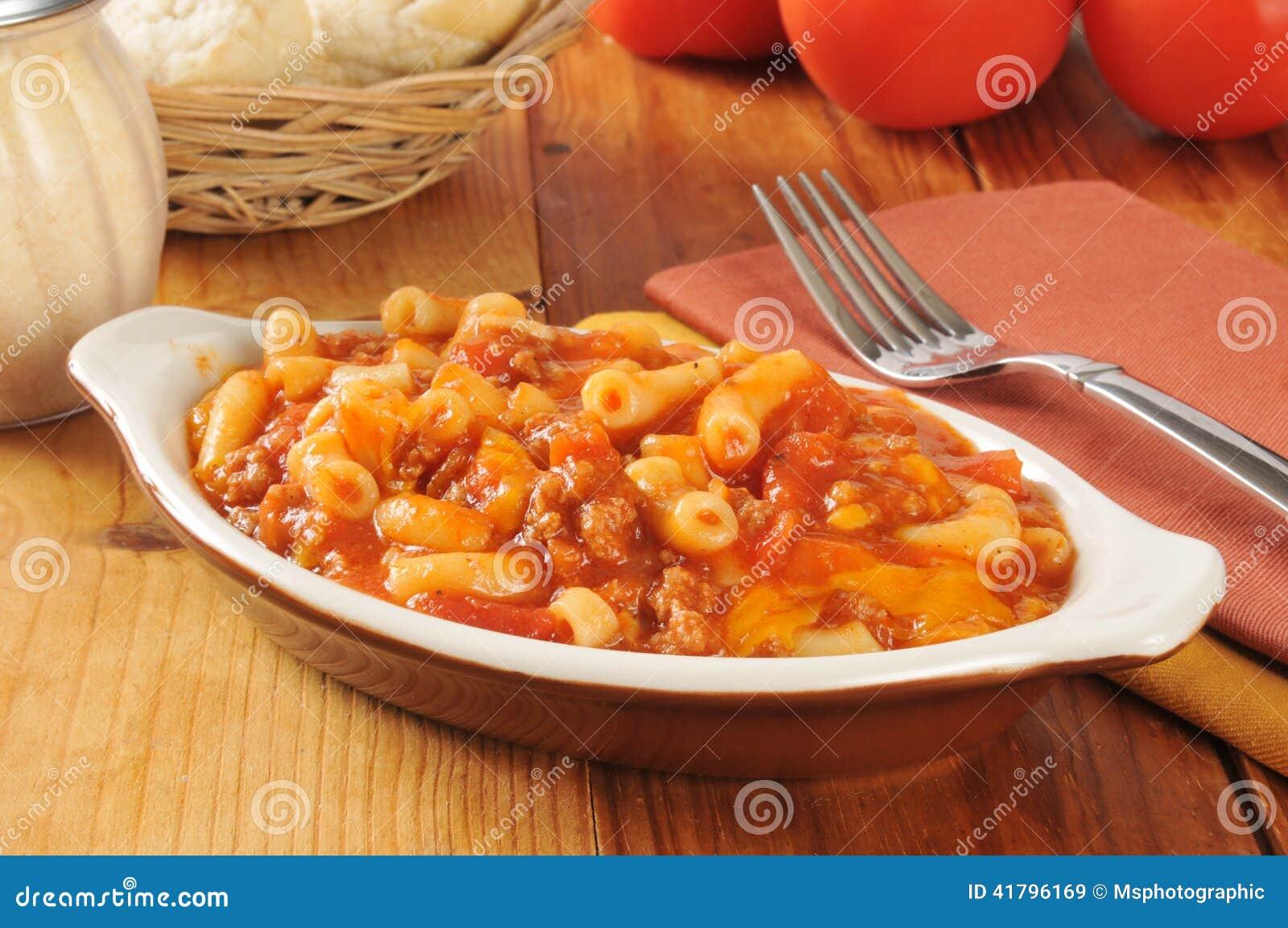 Macaroni en rundvlees